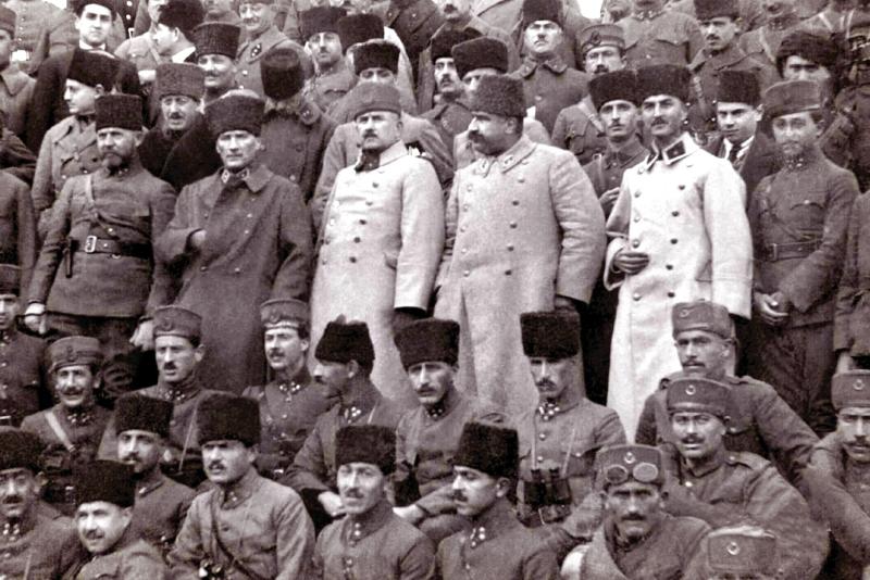 Online - Türkiye Cumhuriyet'nin Oluşumunun Köşe Taşları